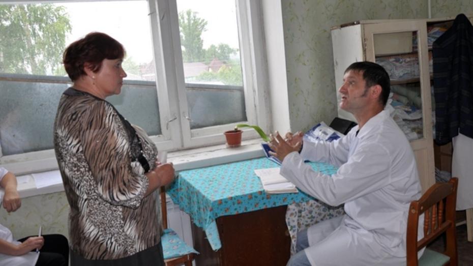 Врачи Павловской ЦРБ провели прием пациентов в селах района