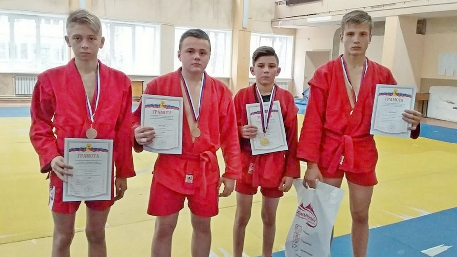 Таловские самбисты завоевали 2 золотые медали на открытом первенстве Воронежа