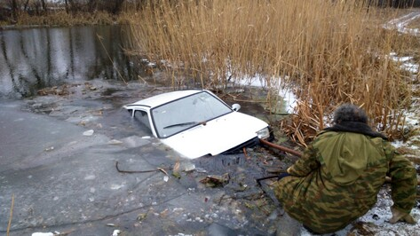 Житель белгородчины утопил «Оку» в репьевской Потудани