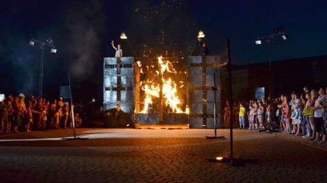 В Лисках выступили актеры польского уличного театра