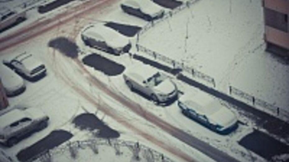 Из-за первого весеннего снега Воронеж встал в пробках