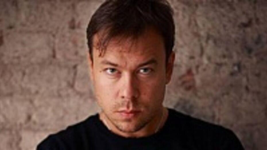 В Воронеж приедет популярный дизайнер, который шил наряды для Наоми Кэмпбелл, Мадонны, Шер, но отказал Пугачевой