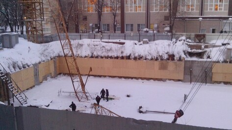 Медики рассказали о состоянии пострадавших при падении крана в Воронеже