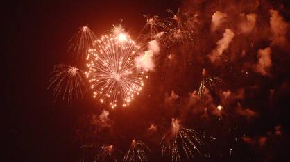 Празднование Дня Победы завершилось в Воронеже красочным салютом (ФОТО)