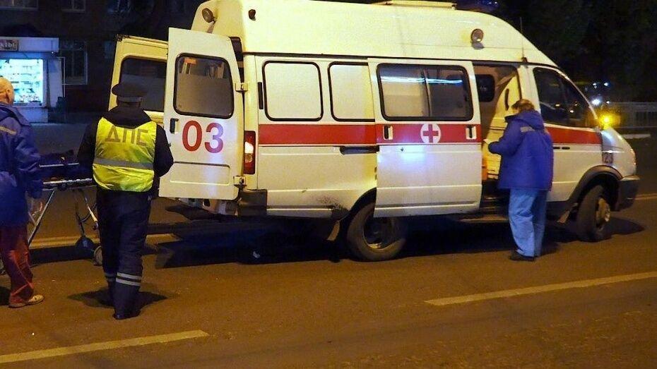Под Воронежем 35-летний водитель мопеда погиб в ДТП с грузовиком