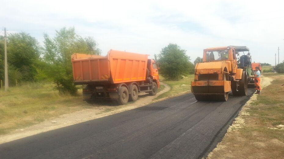 В Новохоперском районе в 2 селах впервые заасфальтировали 3 улицы