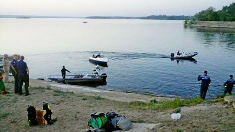 На воронежском водохранилище катер врезался в опору моста: 3 человека погибли
