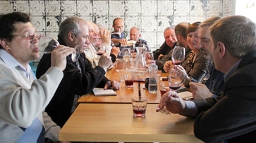 Виноделы угостили горожан воронежским вином