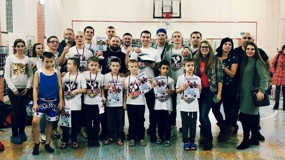 Семилукская команда завоевала «серебро» межрегионального турнира по тайскому боксу