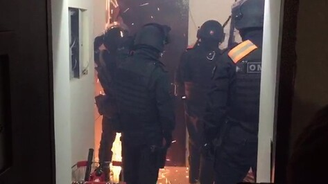 Полиция поймала 4 рэкетиров, вымогавших у воронежца 10 млн рублей на автомойке
