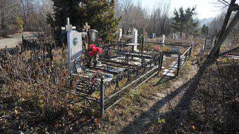 Воронежцев оставили без традиционных «пасхальных» маршруток до кладбищ