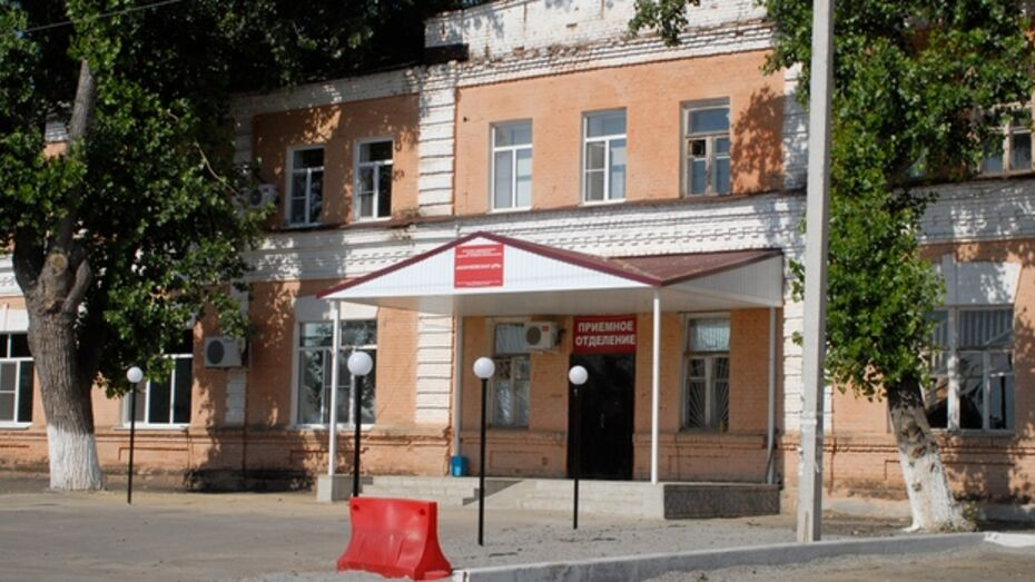 В Калачеевском районе разряд молнии едва не убил 42-летнюю женщину