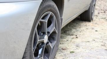 Житель Воронежской области проколол колеса машины автоледи