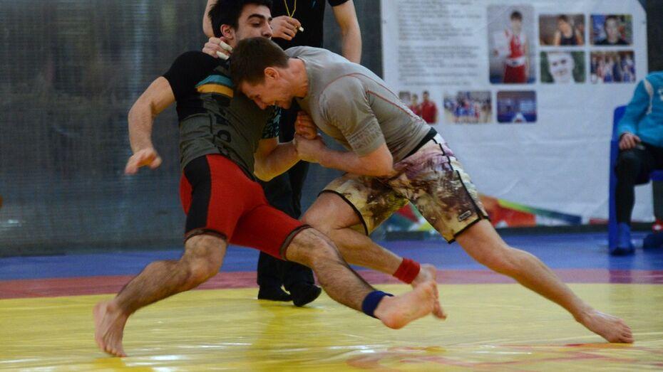 В Воронеже состоялся первый официальный чемпионат по грэпплингу