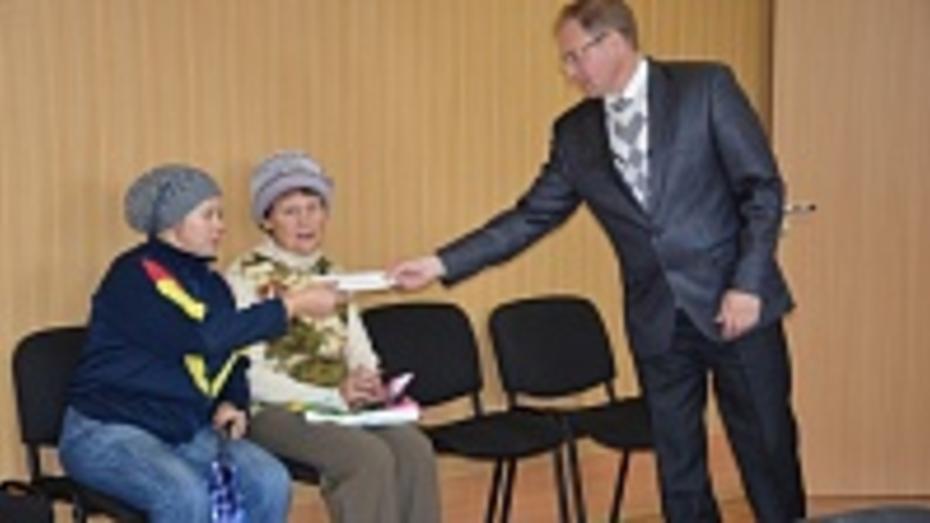 Поворинские чиновники нашли средства на газификацию жилья вдовы участника войны