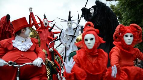 Воронежцы увидят летающих медуз и танцующих великанов на Платоновфесте