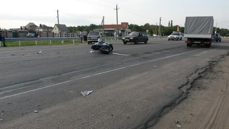 В Семилуках в ДТП попал мотоциклист