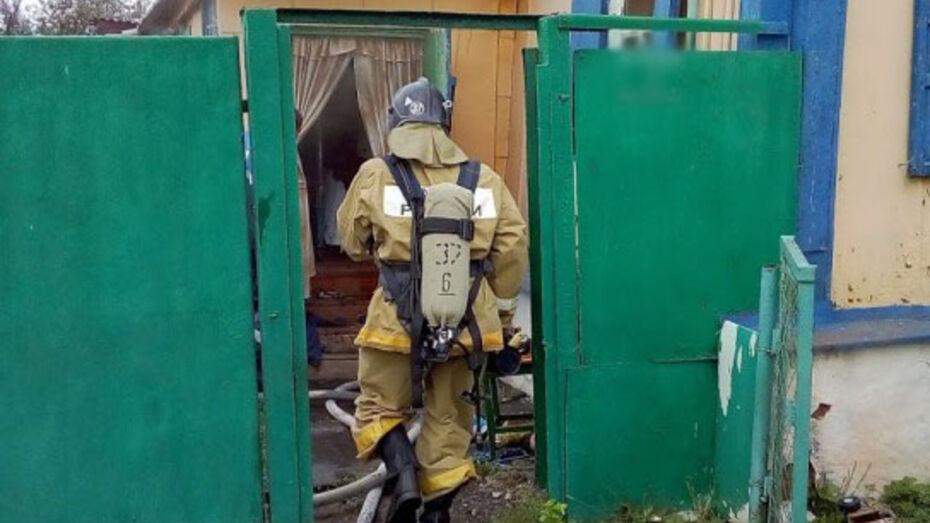 Пожарный из Воронежской области вынес из огня 4-летнего ребенка