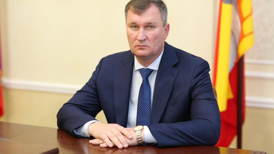 Подозреваемого в присвоении 1,5 млн рублей вице-мэра Воронежа оставили на работе