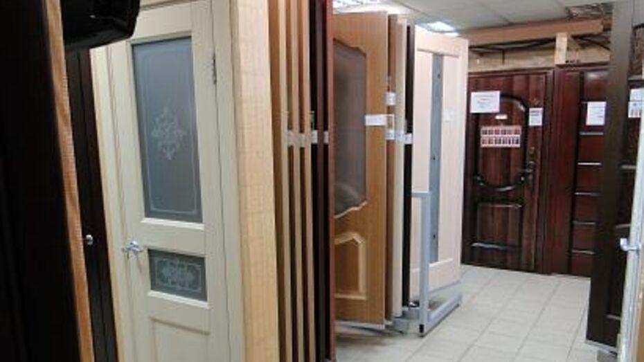 Бизнесмен задолжал воронежцам полмиллиона рублей из-за плохих дверей