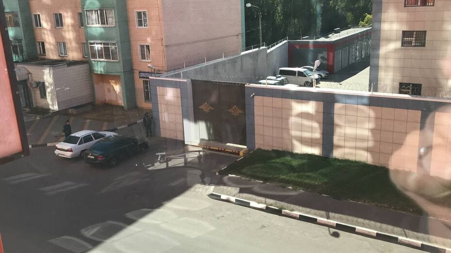 Основной версией ЧП с нападением на РОВД в Воронежской области рассматривается бытовой конфликт