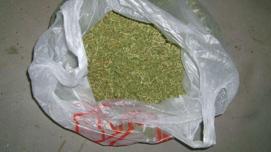 Наркополиция нашла 2 кг марихуаны у жителя Лискинского района