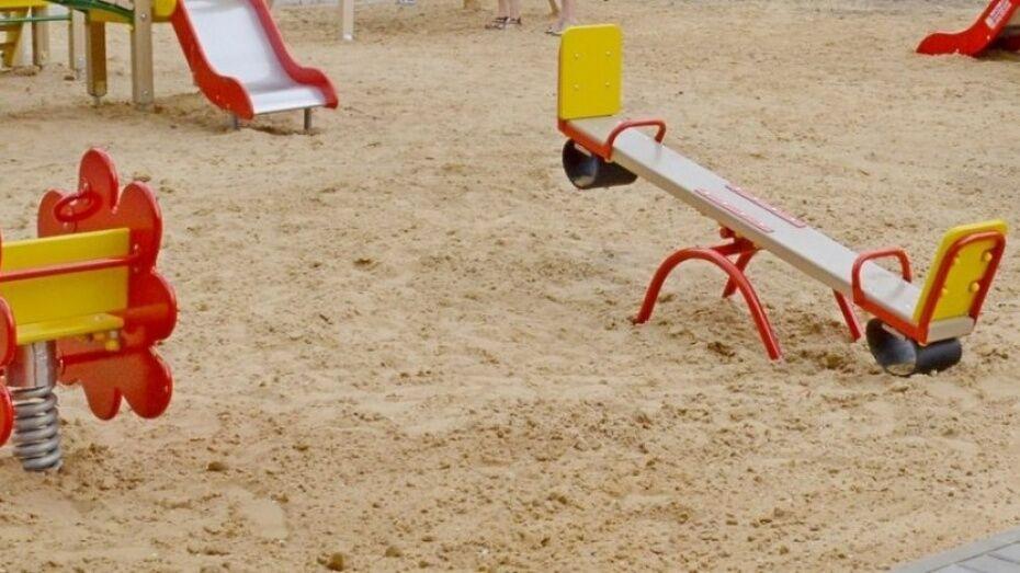 В Воронежской области 10-летний мальчик умер после игры на детской площадке