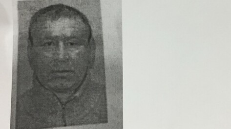 Обвиняемый в убийстве сына и невестки воронежский пенсионер ранил себя в больнице