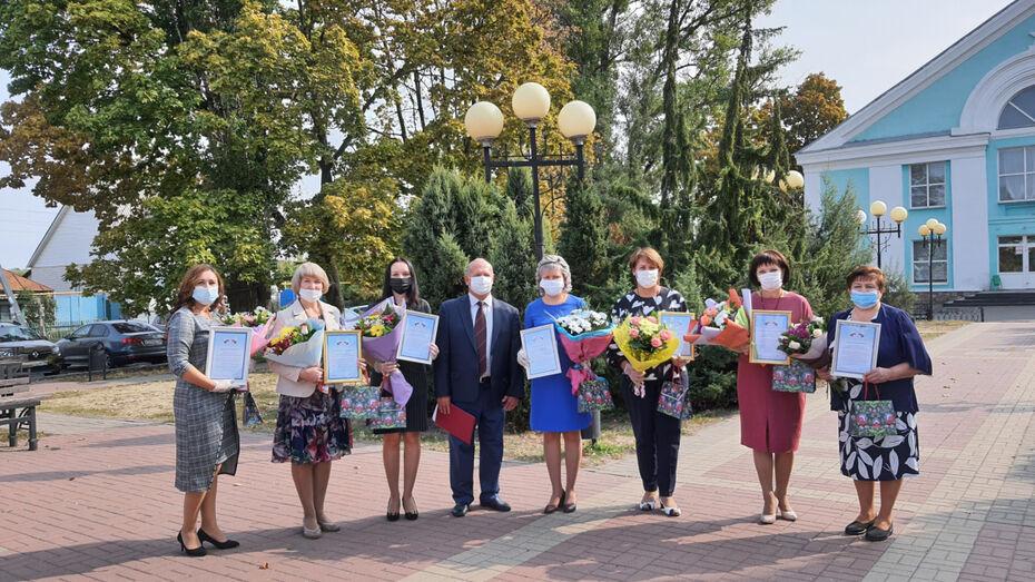Воронежский сенатор Сергей Лукин поздравил воспитателей с профессиональным праздником