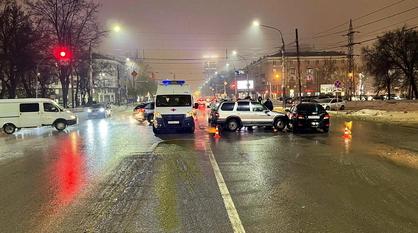 Водитель KIA Sportage погиб в ДТП на перекрестке в центре Воронежа