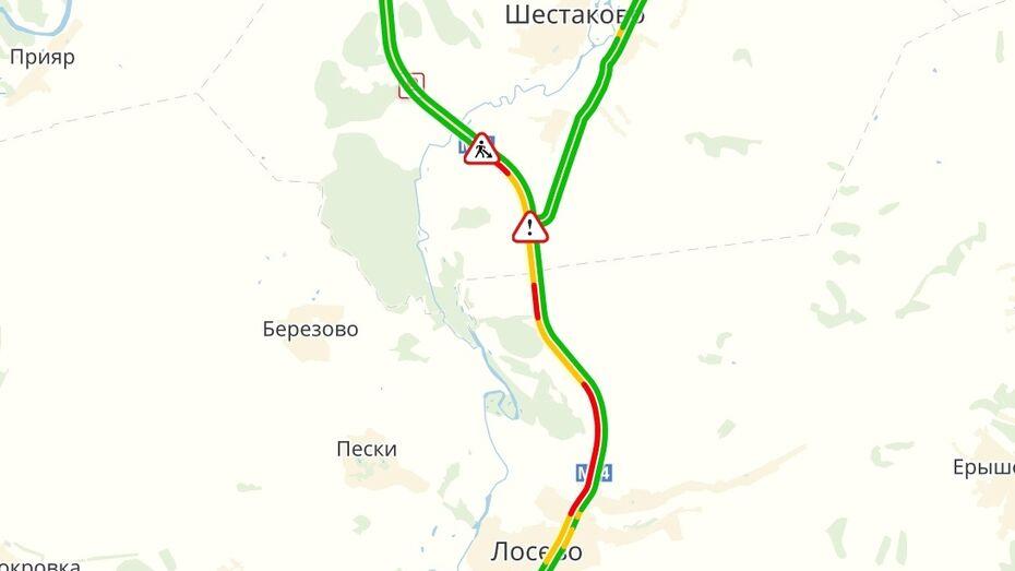 Пробка на проблемном участке трассы М-4 «Дон» под Воронежем достигла 12 км