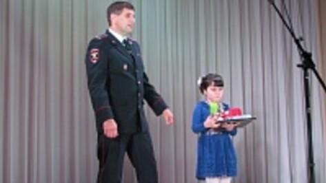 Нижнедевицкая  школьница победила в областном конкурсе «Мои родители служат в полиции»