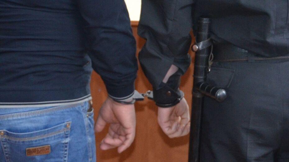 СК    заподозрил    жителя    Воронежской    области    в    сексуальном    насилии    над    10-летним    сыном
