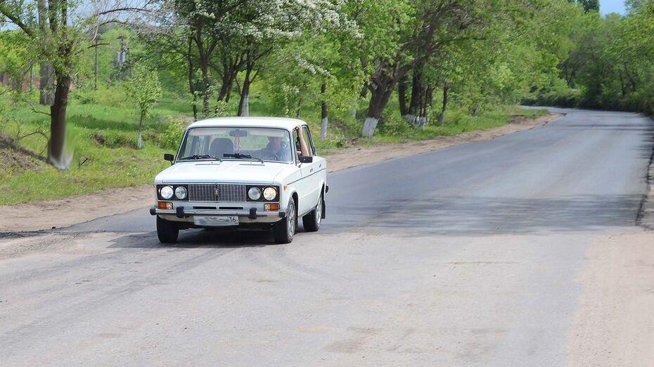 В Семилукском районе отремонтируют поселковую дорогу