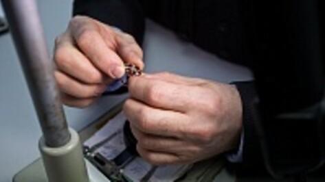 В Воронеже грабители вынесли из ювелирного салона драгоценности на 5 млн рублей