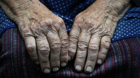 Под Воронежем бродяга силой отнял сбережения у 88-летней пенсионерки