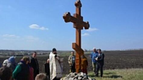 В каширском селе установили поклонные кресты