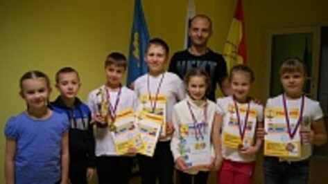Хохольские школьники стали победителями областных соревнований по плаванию «Морской конек»