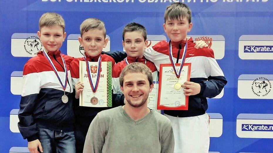 Семилукские каратисты завоевали 6 медалей на первенстве области