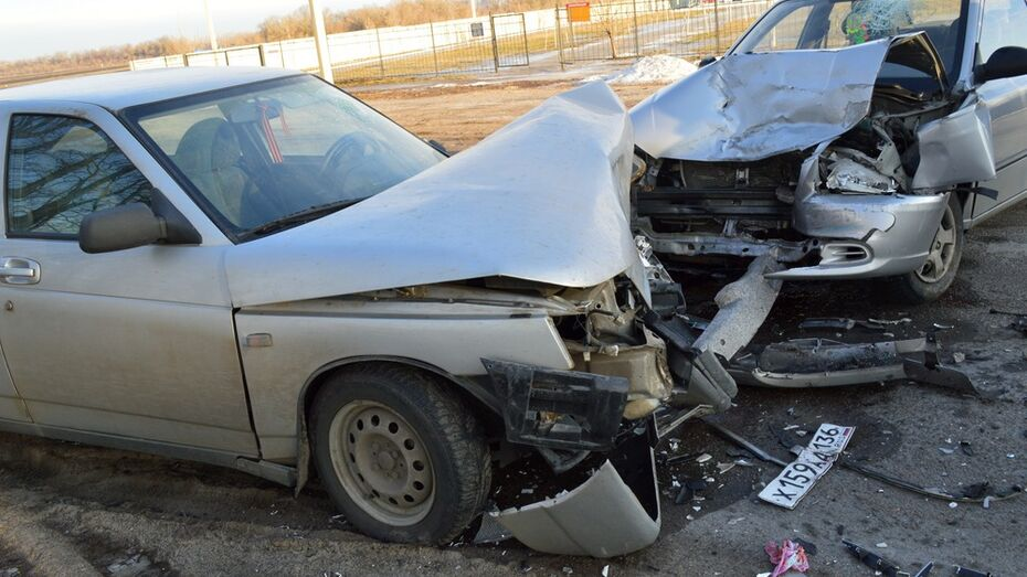 В Рамони Hyundai Accent врезался в «ВАЗ-21012»