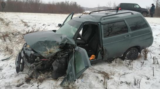 Две легковушки столкнулись на трассе: погиб воронежец