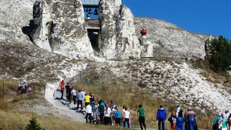 Воспитанники Павловской школы-интерната побывали в Костомаровском монастыре