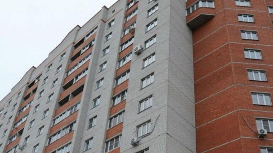 В Борисоглебске у девятиэтажки нашли мертвой 65-летнюю женщину