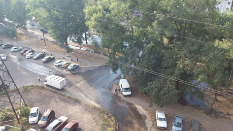 В Коминтерновском районе Воронежа из-за утечки из колодца подтопило двор