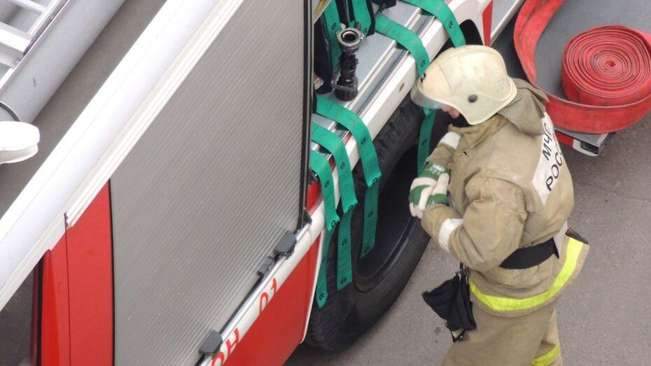 Воронежские спасатели на месте пожара нашли тело 25-летнего парня