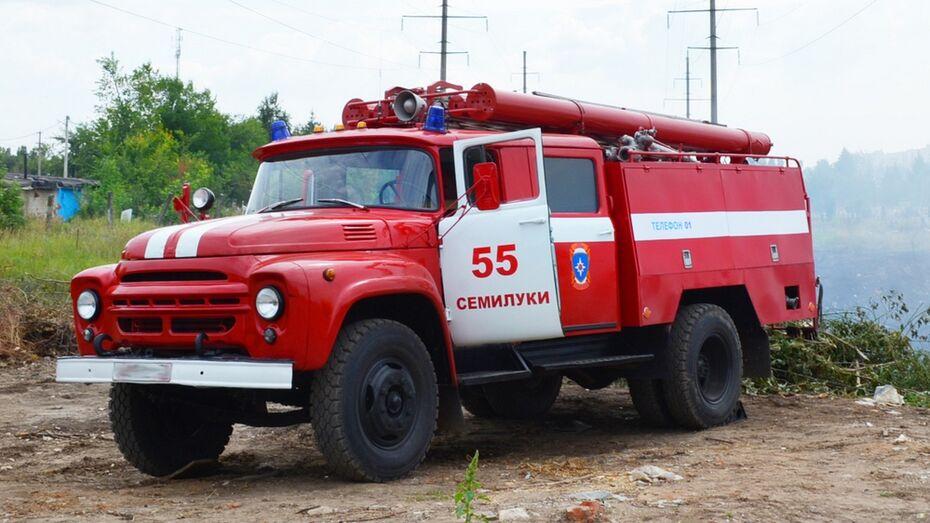 В семилукском селе загорелся 2-этажный жилой дом: погиб 75-летний пенсионер