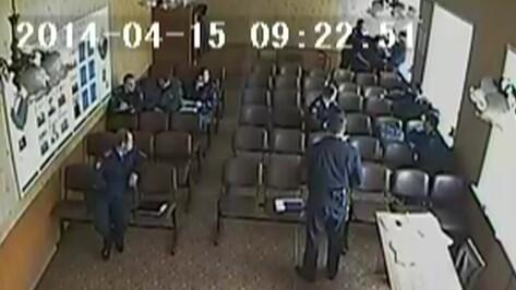 «Почему без наказания?» Избившие подчиненного воронежские полицейские вернулись на службу