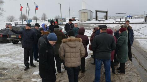 «Эффект есть». Жители Петровки поделились впечатлениями от соседства со свинокомплексом