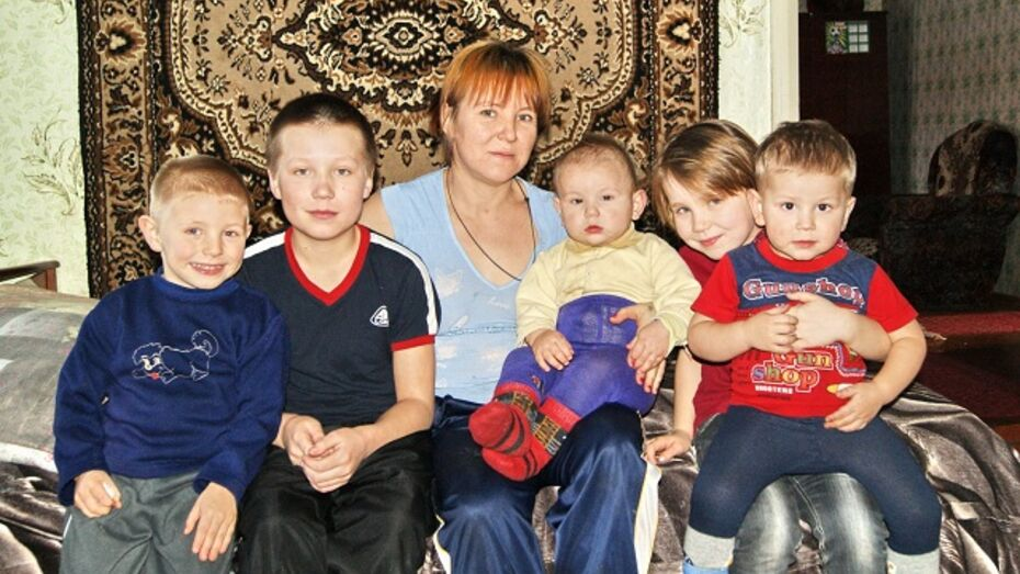Жительнице Поворинского района вернули троих детей