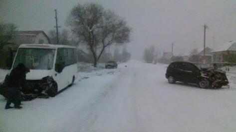Число пострадавших в ДТП с маршруткой в Воронежской области увеличилось до восьми